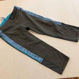 Ivivva cropped leggings grey cutout